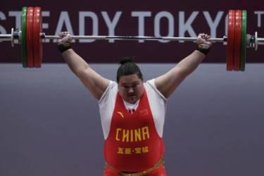 李雯雯称举起185公斤靠张国政哄 一不小心被哄成了奥运冠军