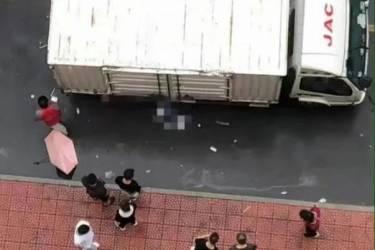 北京一高校女研究生遭快递车碾压身亡!知情人:才开学3天