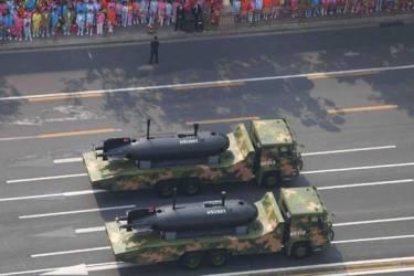 海军潜航器亮相阅兵式,全球能造的国家屈指可数,隐藏什么玄机?